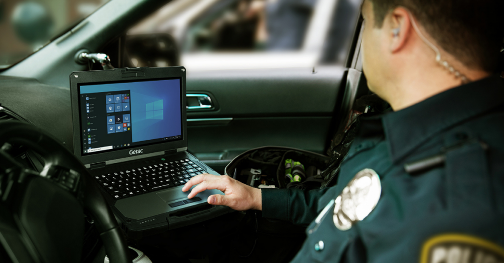 Getac B360 is not only MIL-STD-810H certified, it is also 5G ready for fast connectivity. With this kind of connected computing technology, drivers can receive and modify assignments as they become available, collect data, and file reports directly into their respective data networks.