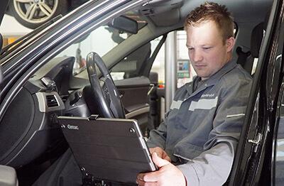 rugged notebooks in car repair