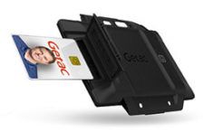 Smart card and contactless RFID reader combo
